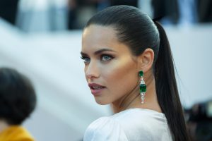 Adriana Lima Beauty Hack